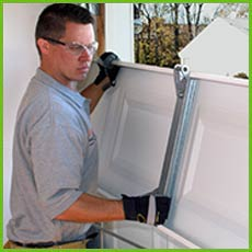 Garage Door Shop Repairs Newton, MA 617-313-7148